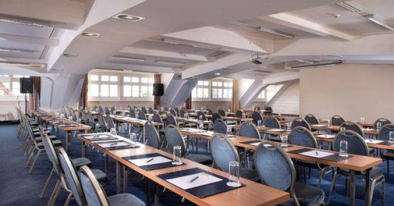 01ber05-conference-room-bellevue.low-res